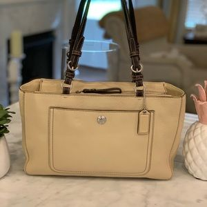 NWOT Coach Chelsea Cream Pebbled Leather Tote.